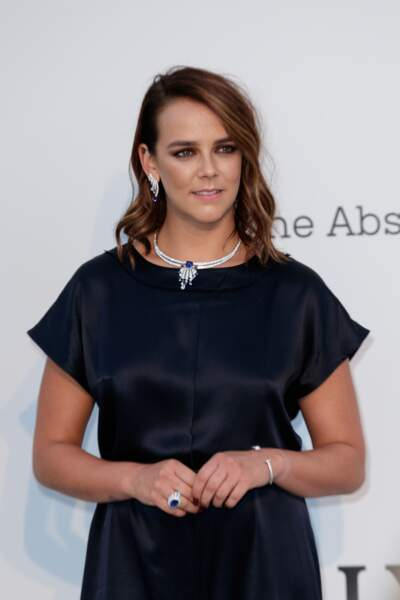 Pauline Ducruet a assorti le bleu de ses bijoux à sa combinaison