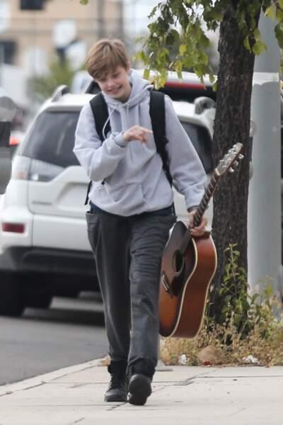 Shiloh Jolie-Pitt, qui vient de fêter ses 13 ans, se rendant à un cours de guitare, à L.A., le 29 avril 2019