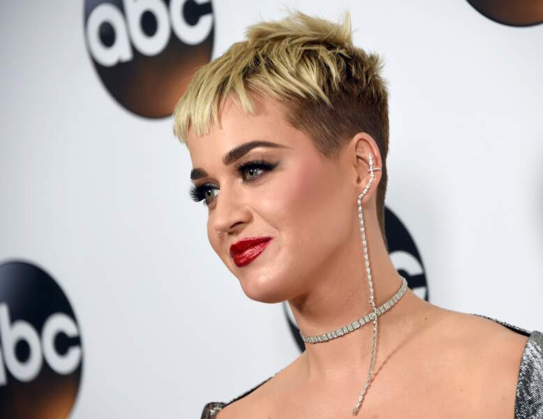 La pixie cut blonde de Katy Perry.