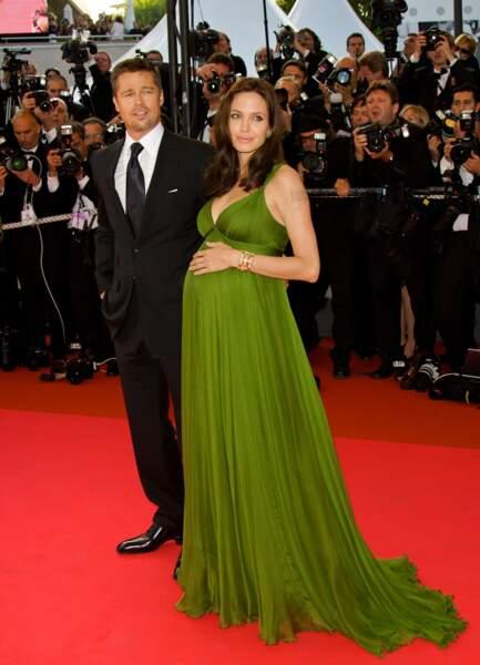 Brad Pitt et Angelina Jolie (enceinte) en 2009