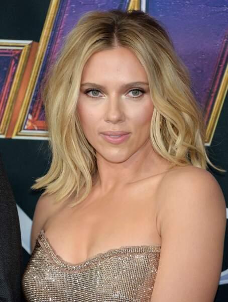 Un carré long comme Scarlett Johansson