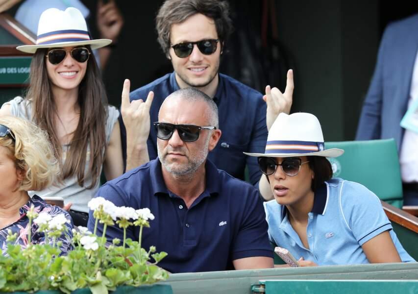 Le chanteur Vianney, sa compagne Catherine Robert, Amel Bent et son mari Patrick Antonelli