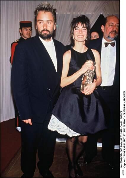 """Anne Parillaud reçoit le César de la meilleure actrice pour """"Nikita"""" de Luc Besson, en 1991"""