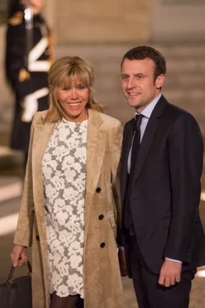 Emmanuel et Brigitte Macron lors d'un dîner en l'honneur du roi Willem-Alexander des Pays-Bas le 10 mars 2016
