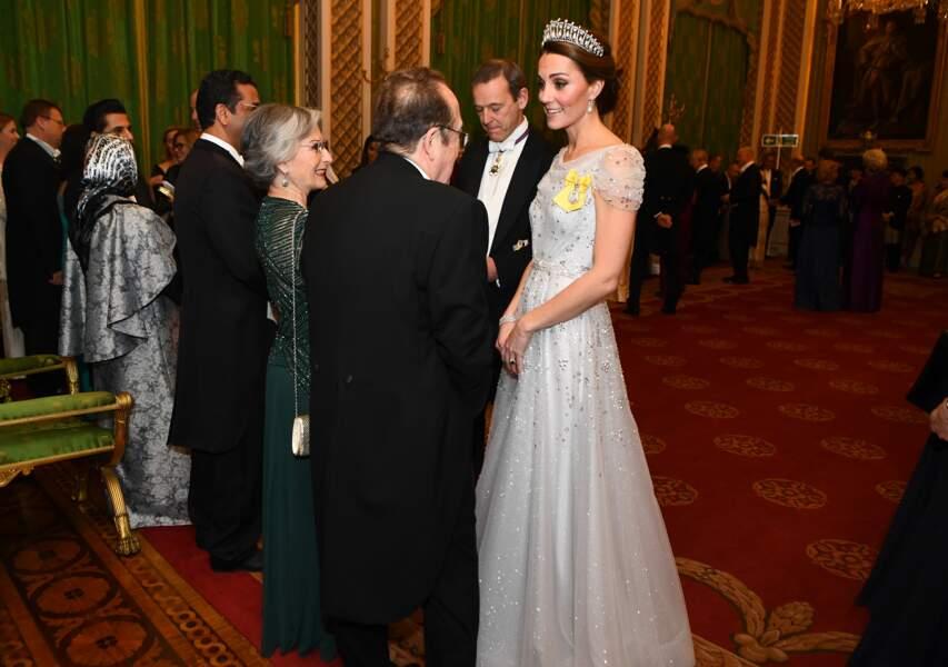 Kate Middleton radieuse dans une nouvelle robe jenny Packham