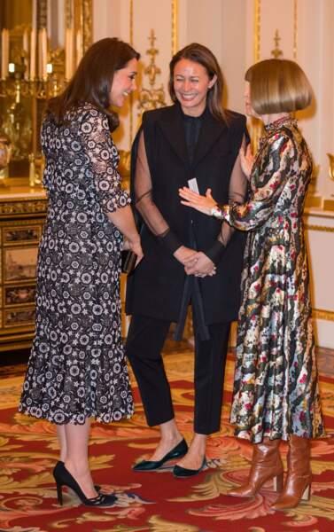 Kate Middleton discute avec la papesse de la mode Anna Wintour