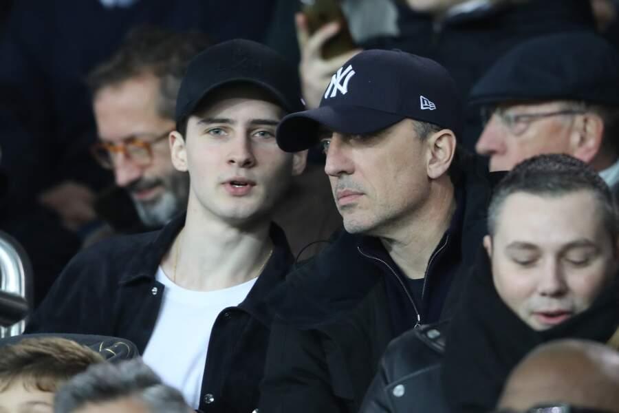 Noé et Gad Elmaleh, complices, lors du match de football PSG-LOSC le 2 novembre