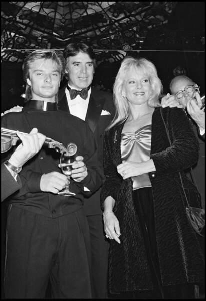 David Hallyday, Tony Scotti et Sylvie Vartan, au Club Maxim's à New York en 1985