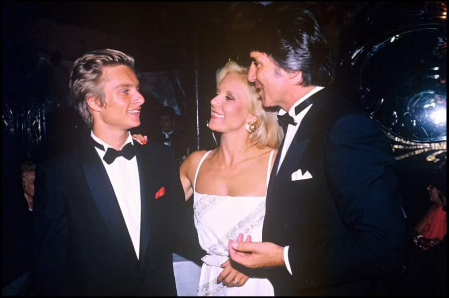 David Hallyday, Sylvie Vartan et Tony Scotti lors de la soirée pour les 20 ans de carrière de Sylvie en 1984