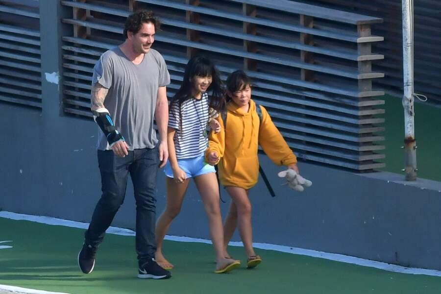 Jade et Joy Hallyday avec Sébastien Farran