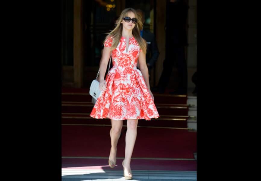 Jennifer Lawrence, toile de Jouy fleurie