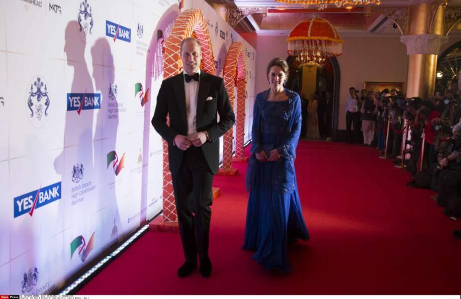 Premières mondanités pour Kate et William sur le thème de Bollywood