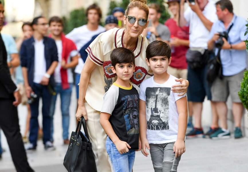 Céline Dion qui a confié s'endormir avec ses enfants ; en ayant au préalable dévorer des Disney.