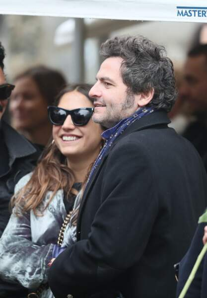 Izia Higelin et le chanteur M (Matthieu Chedid) lors des obsèques de Jacques Higelin au cimetière du Père Lachaise