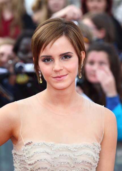 Emma Watson, laisse doucement ses cheveux repousser en 2011