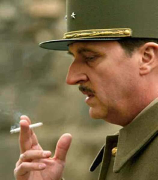 Bernard Farcy prête ses traits au Général de Gaulle dans le téléfilm Le grand Charles, diffusé en 2006