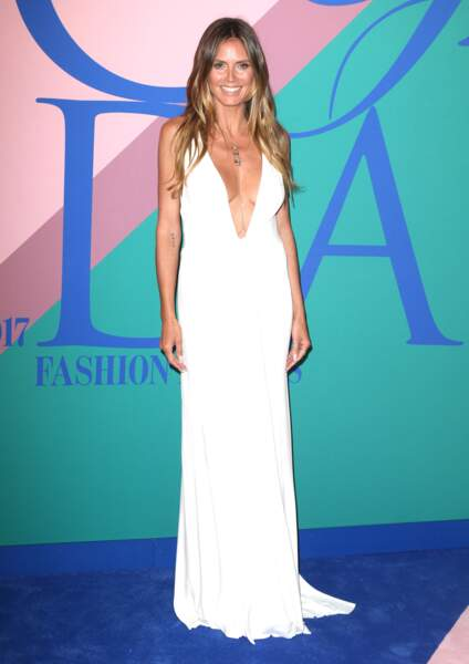Heidi Klum en robe satin Zac Posen, lors des CFDA Fashion Awards le 5 juin 2017