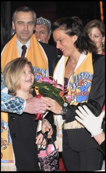 La princesse Stéphanie et sa fille Camille assistent au 33e Festival du Cirque de Monte Carlo le 16 janvier 2009