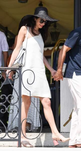 Pour l'occasion, Amal Clooney avait misé sur un look rétro-chic