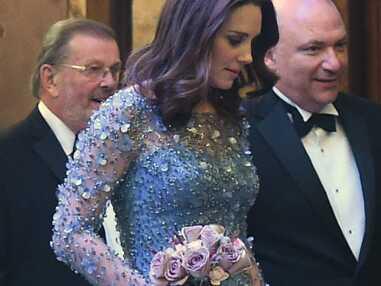 Kate Middleton enceinte surprend avec une robe de princesse à sequins Jenny Packham