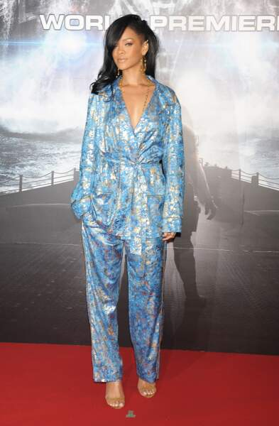 Rihanna en ensemble pyjama Emilio Pucci à la premiere de Battleship à Tokyo le 3 avril 2012