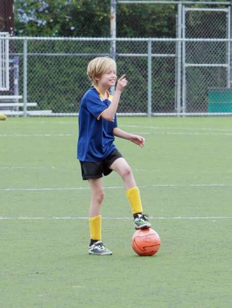 Parmi les hobbies de Shiloh Jolie-Pitt, ici en mai 2015: le soccer qu'elle pratique avec sa grande soeur Zahara