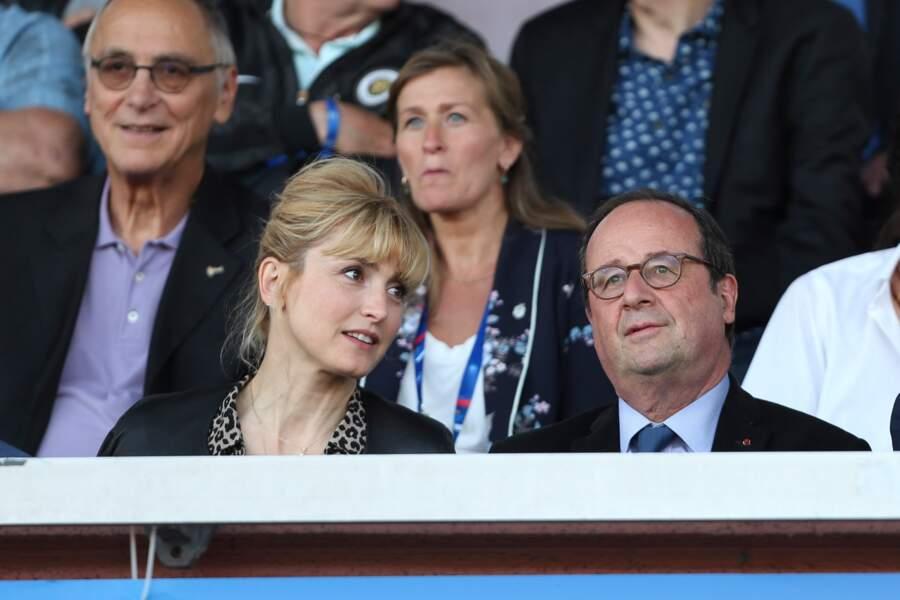 Pas de doute, François Hollande et Julie Gayet aiment le sport et prennent plaisir à le regarder !
