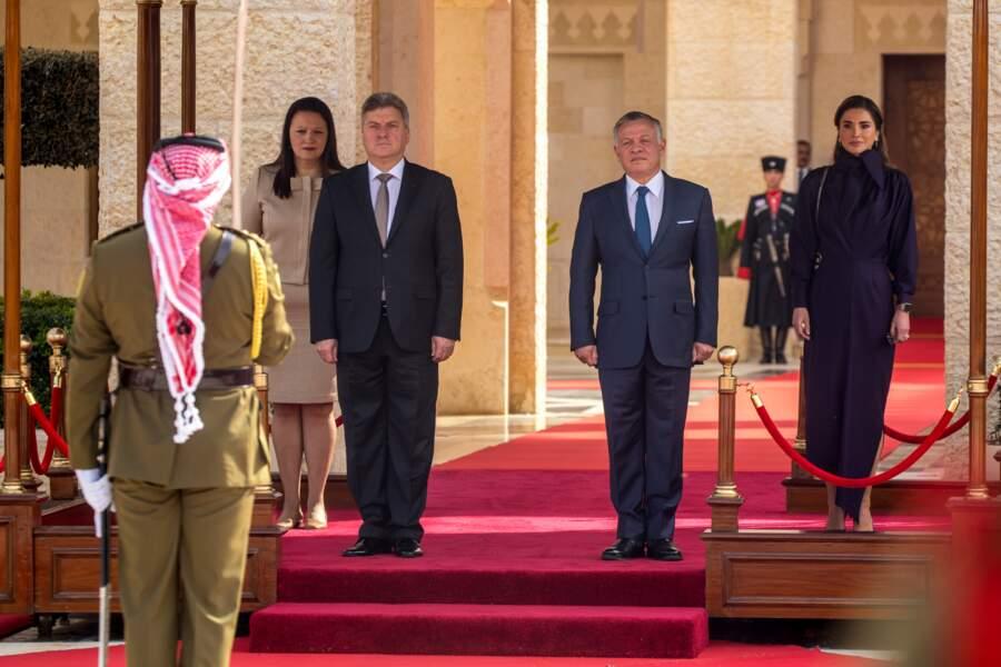 Rania de Jordanie supe trendy