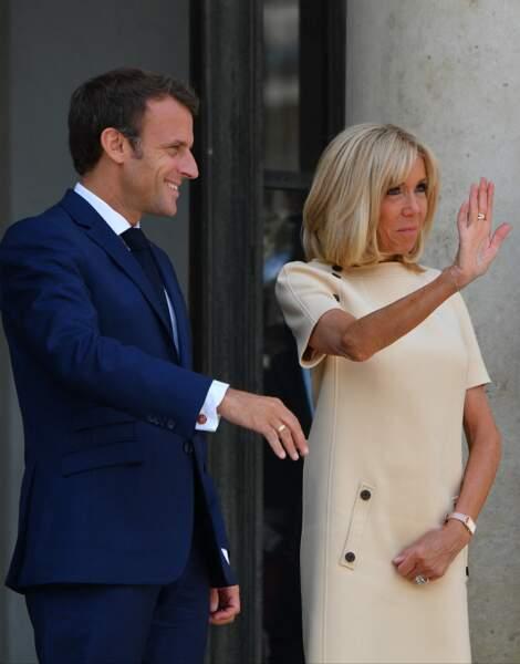 Brigitte Macron est apparue souriante et visiblement détendue à l'occasion de cette rencontre