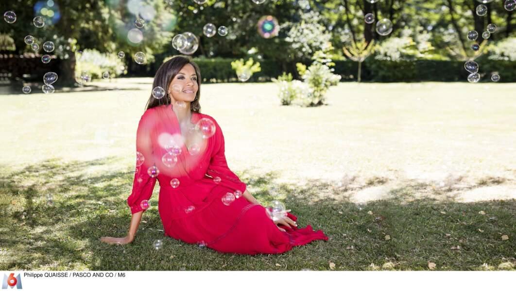 """En 2019, Karine Le Marchand anime la 14e saison de l'émission """"L'Amour est dans le Pré"""" sur M6"""