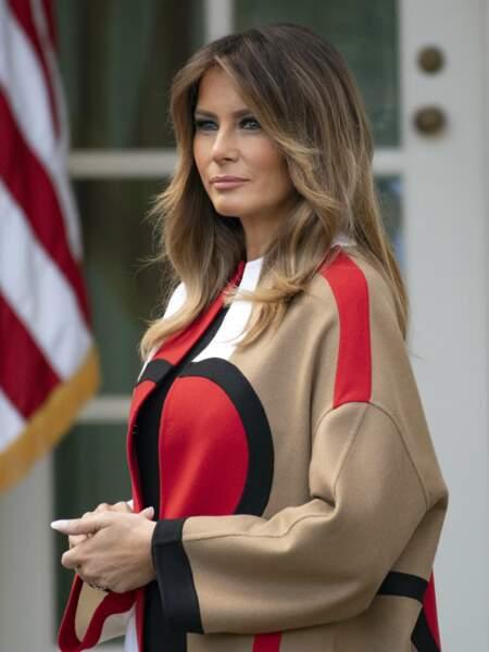 A cette occasion, la première dame portait un manteau Dior