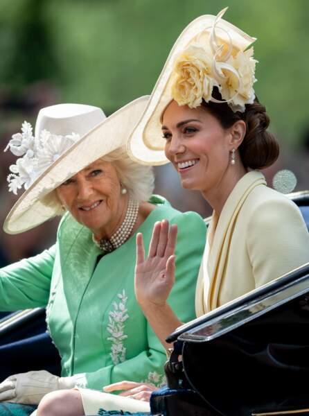 Kate Middleton se maquille de la même façon pour un événement glamour que pour une sortie casual