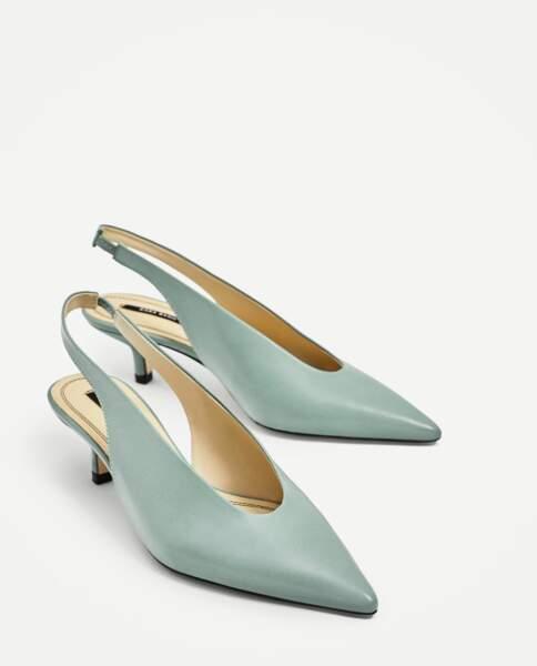 Escarpins en cuir ouverts à l'arrière, Zara, 49,95 €.