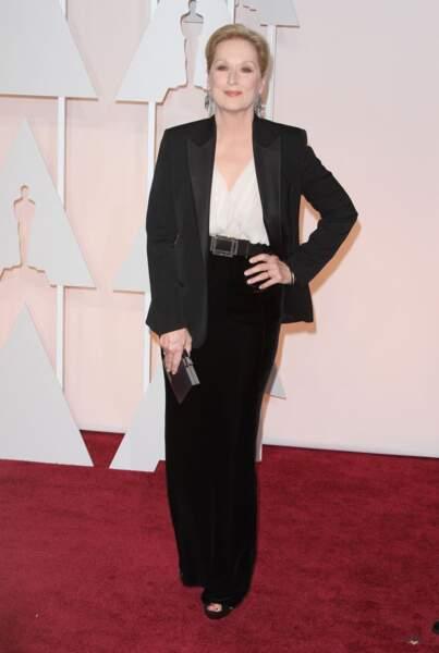 Meryl Streep ne s'encombre pas d'une robe aux Oscars mais revisite le chic boyish