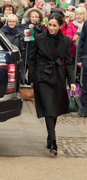Meghan Marklea opté pour un chignon chice n visite au château de Cardiff le 18 janvier 2018