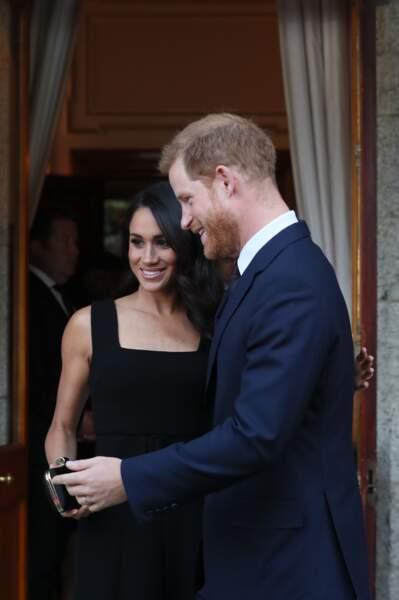 Le prince Harry toujours galant avec sa belle