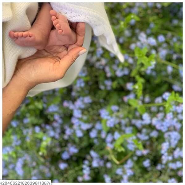 Pour la fête des Mères le 12 mai, Meghan Markle et le prince Harry ont posté cette photo du bébé royal