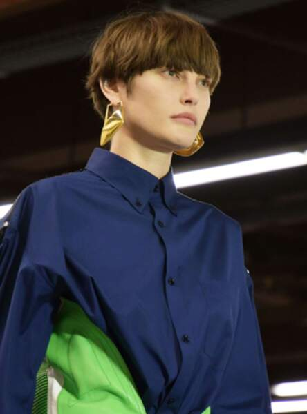 La coupe au bol au défilé Balenciaga Fall/Winter 2017-2018