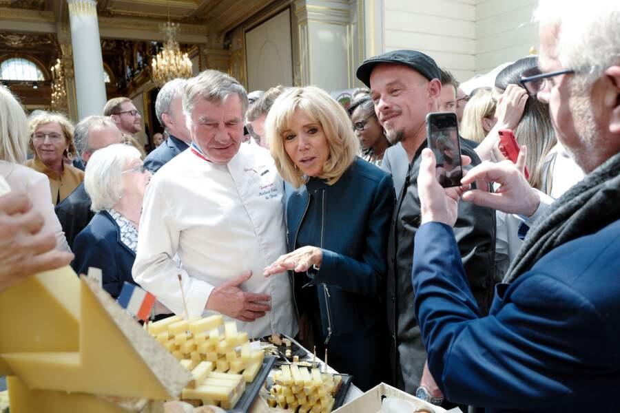 Brigitte Macron a eu l'occasion de déguster différents fromages en recevant les métiers de bouche à l'Élysée