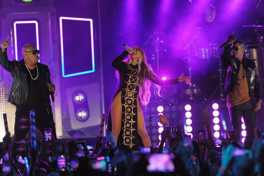 Jennifer Lopez se déchaine sur scène, le 4 juillet à New York