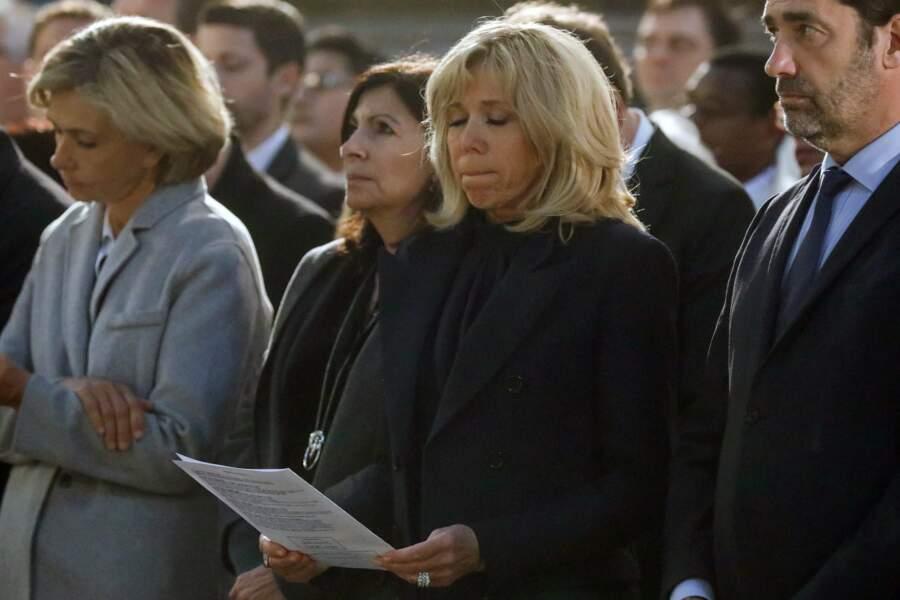 Brigitte Macron est apparue visiblement émue