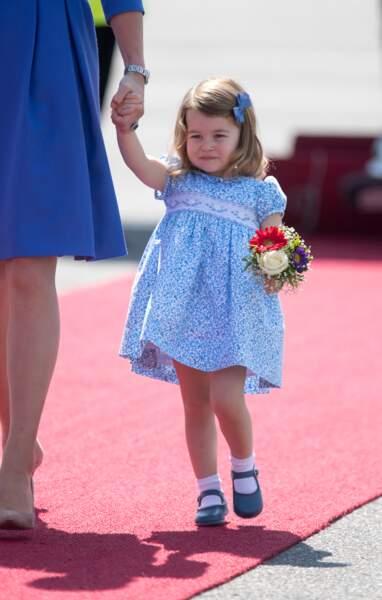 Sa robe bleue était sold out peu après son apparition !