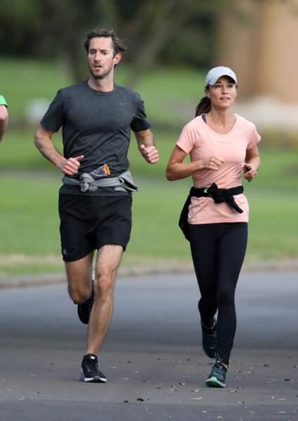 Pippa Middleton et son mari James Matthews font un jogging à Sydney