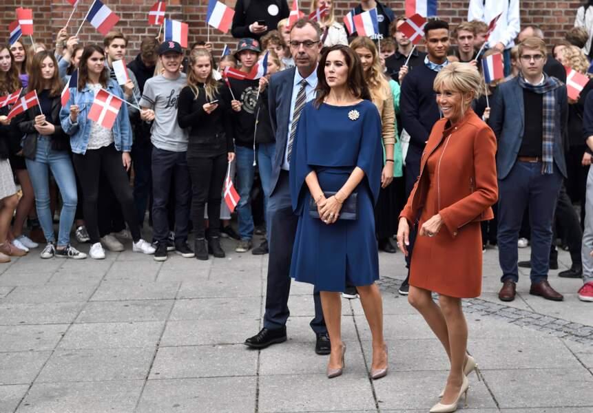 Brigitte Macron tout sourire aux côtés de Mary du Danemark