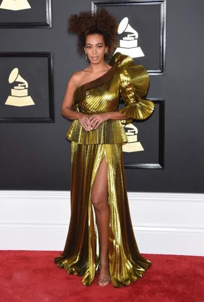 Solange Knowles affiche ses cheveux afro au naturel depuis des années.