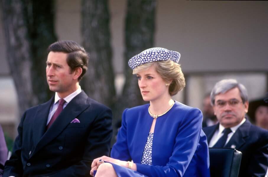 La princesse Diana avec des boucles d'oreilles papillon, au Canada en 1986