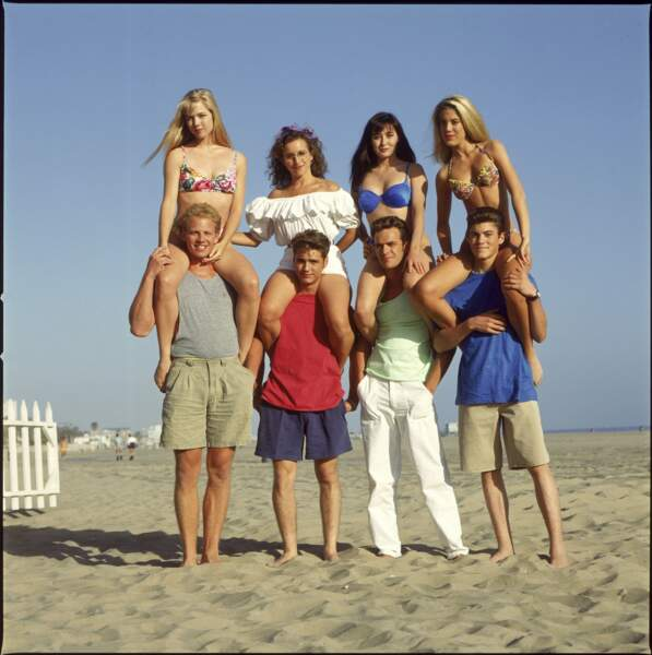 """Luke Perry et les acteurs de la série """"Beverly Hills"""""""
