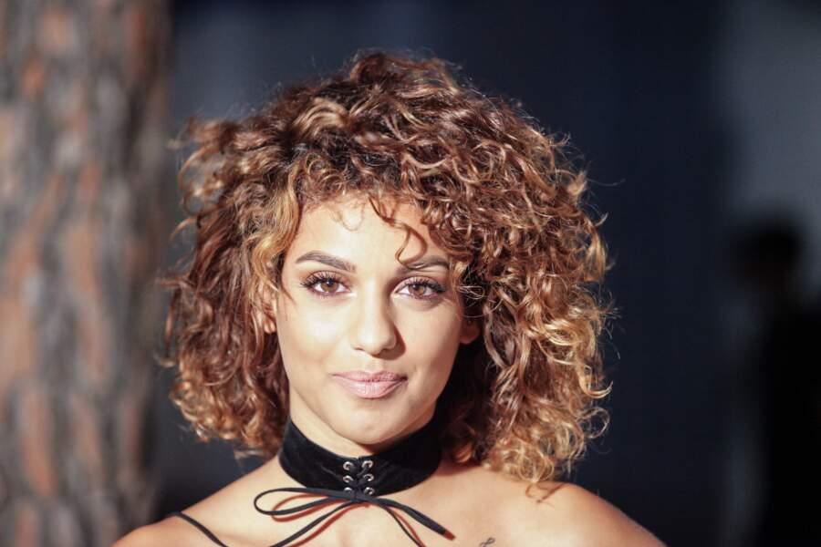 La chanteuse Tal assume désormais ses cheveux bouclés