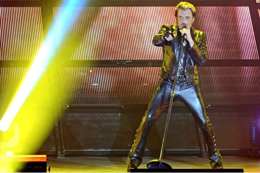 Johnny Hallyday, toujours en cuir,  en 2012
