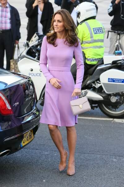 Kate Middleton change de couleur de cheveux et les éclaircit